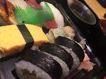 やぐら寿司 西中島南方 お寿司ランチ 盛り合わせ